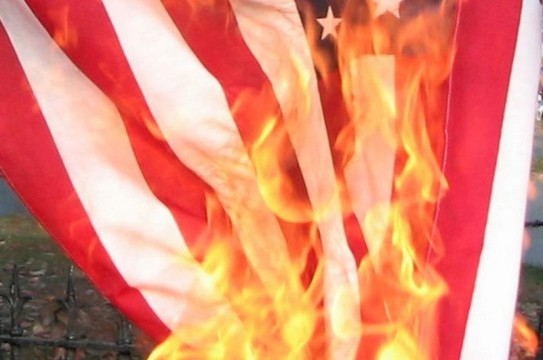 activists-are-planning-to-burn-american-flags-in-brooklyn-on-wednesday-382-body-image-1435602957