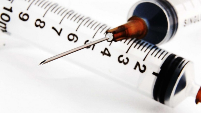 Close-Up-Syringe-Vaccines